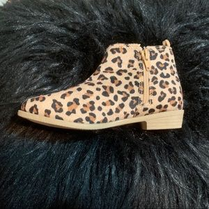 Kids leopard print booties